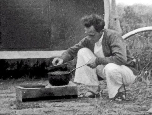 1933 Wally Byam Dutch Oven Cooking